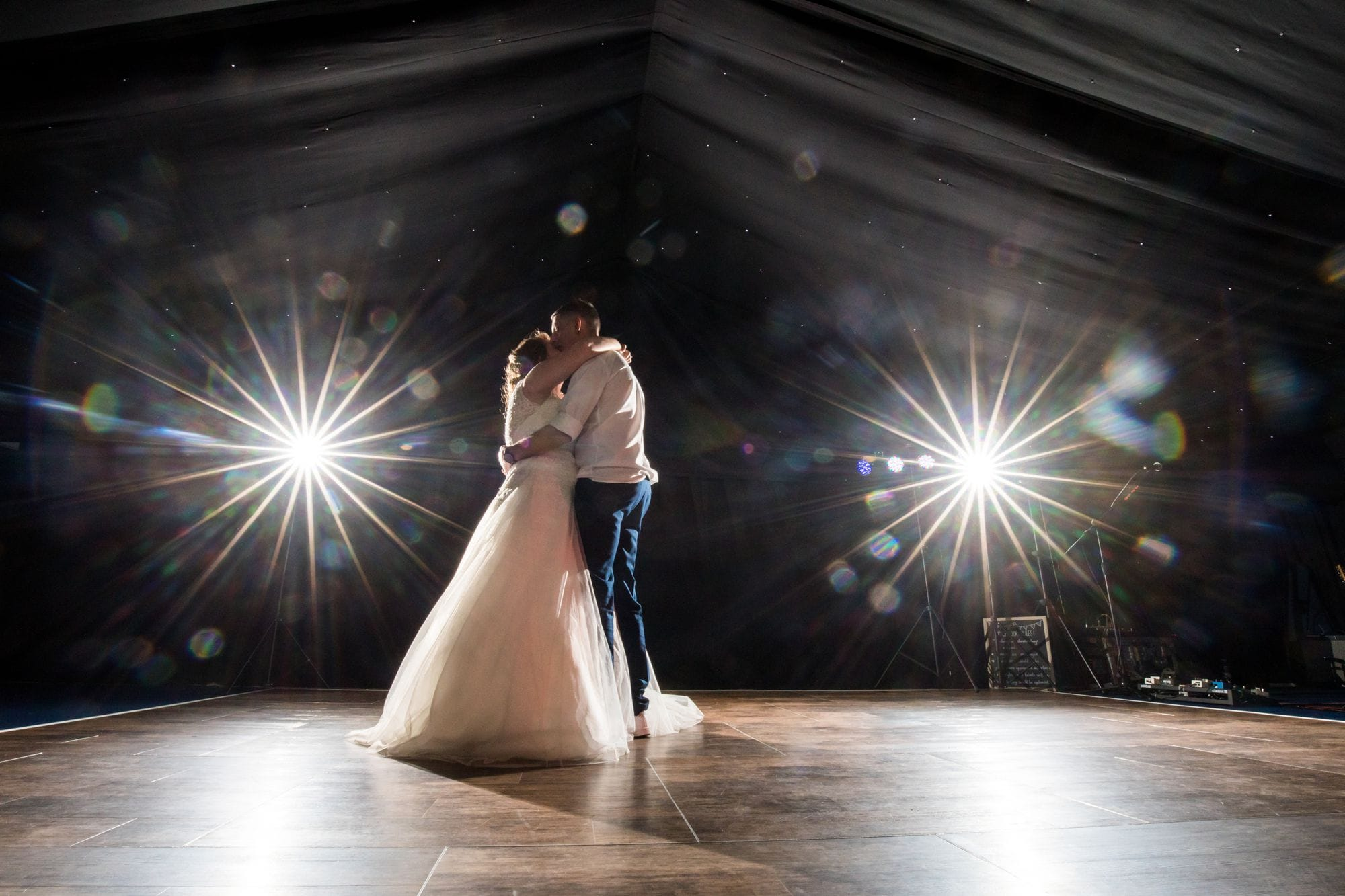 wedding first dance natural creative photography